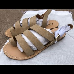 Qupid Womens Strappy Sandals Shoes Size 6.5 New!